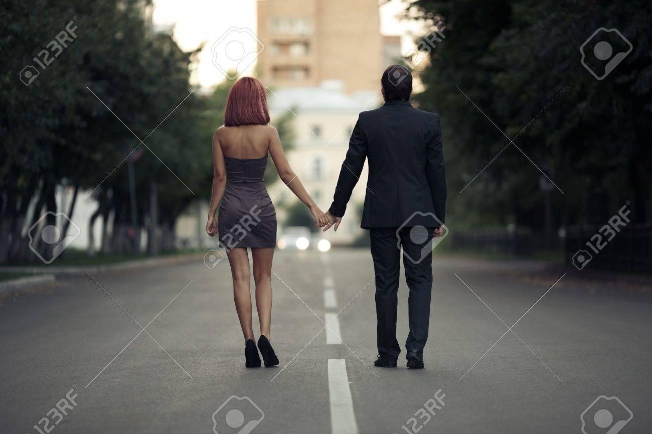 Fotos Románticas De Parejas De Enamorados En La Calle Fotos