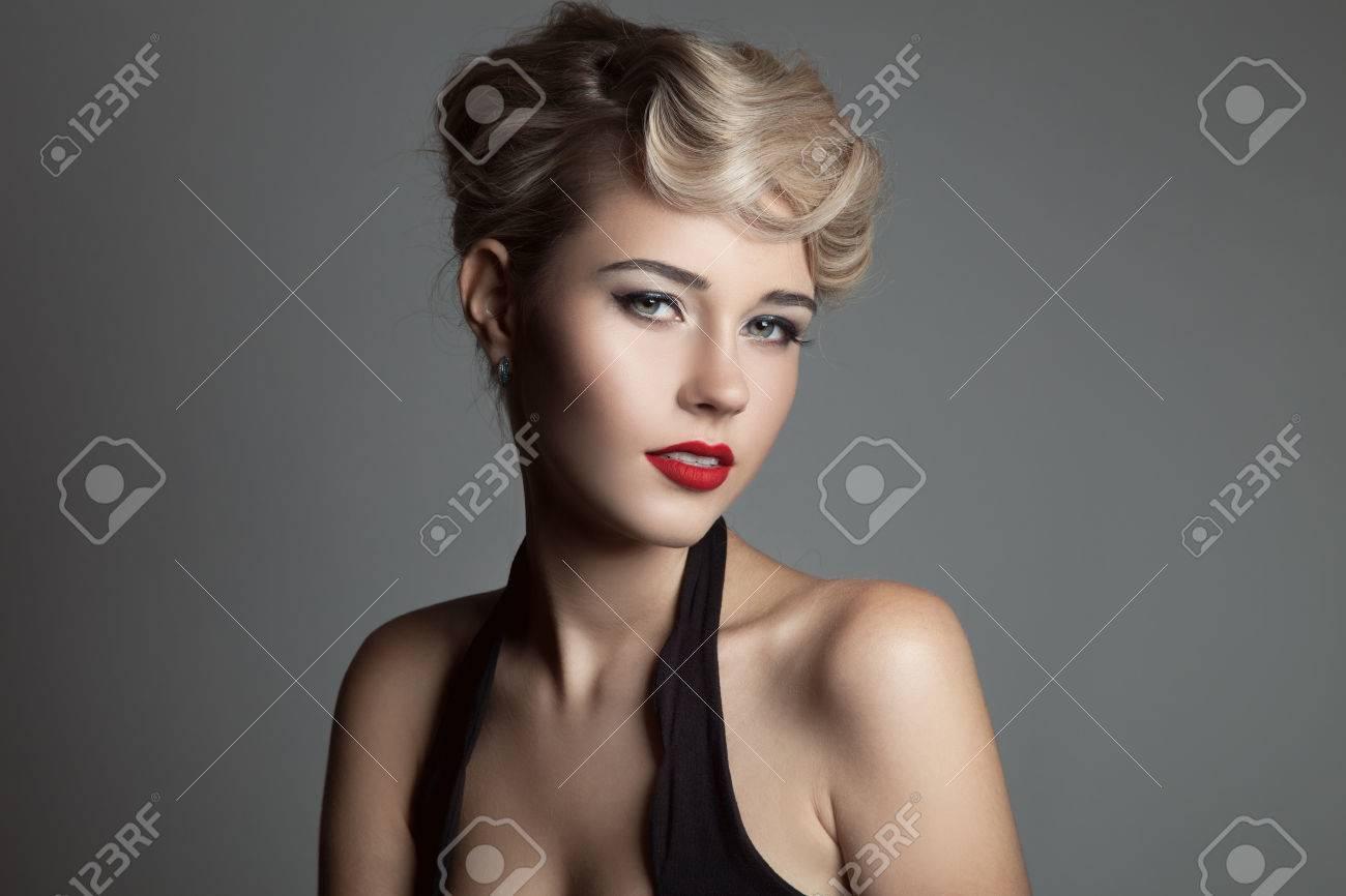 Beautiful Blonde Woman. Retro Fashion Image. - 34745948