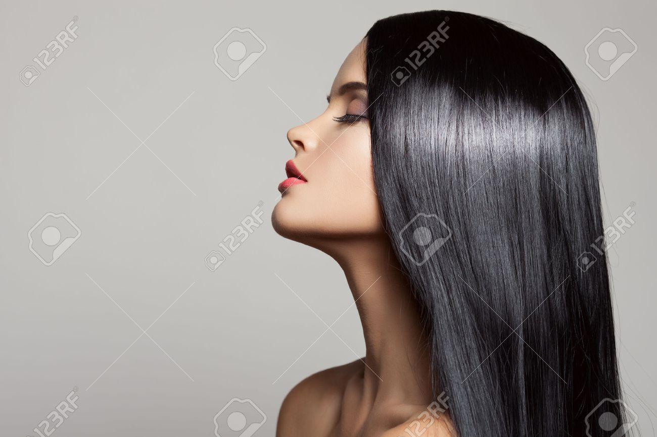 Hair. Beautiful Brunette Girl. Healthy Long Hair. Beauty Model Woman. Hairstyle - 34746339