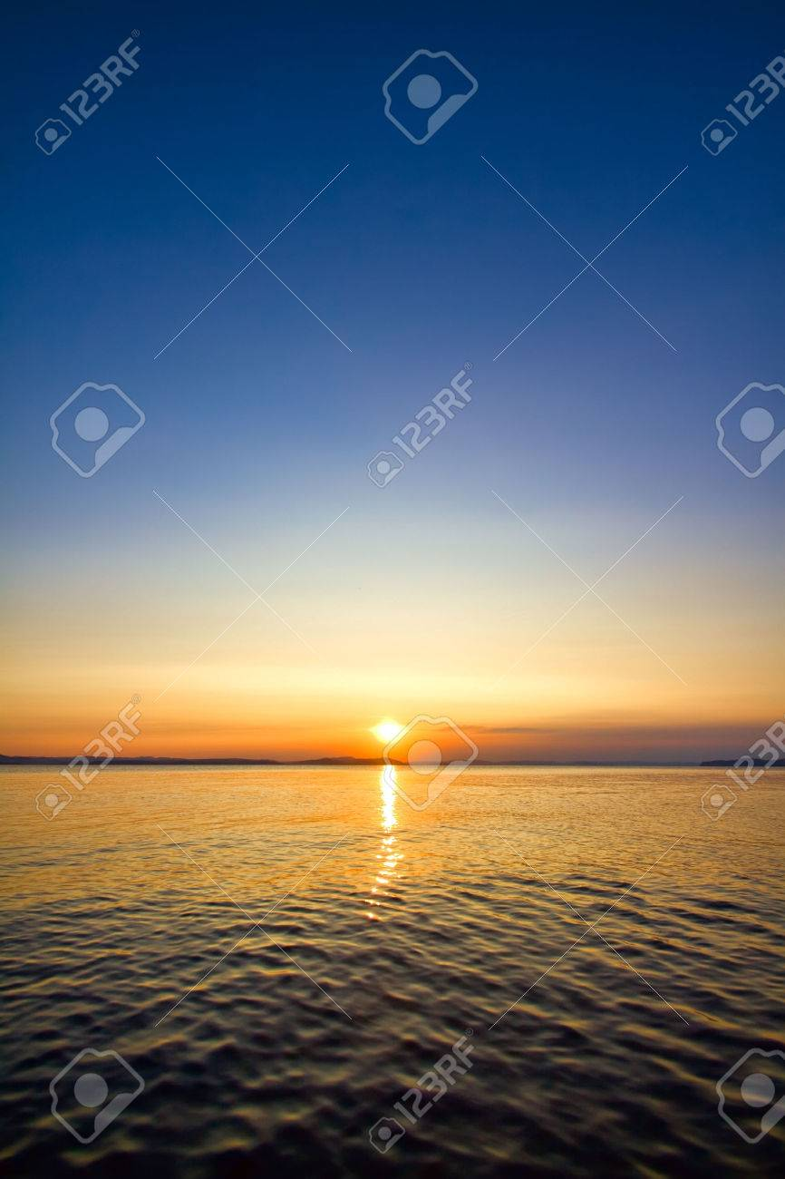 sundown seascape - 38719935