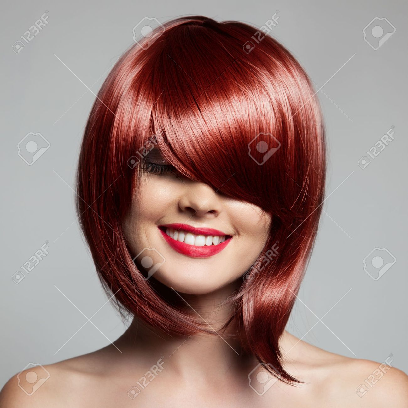 Smiling Beautiful Woman With Red Short Hair. Haircut. Hairstyle. Fringe. - 39586458