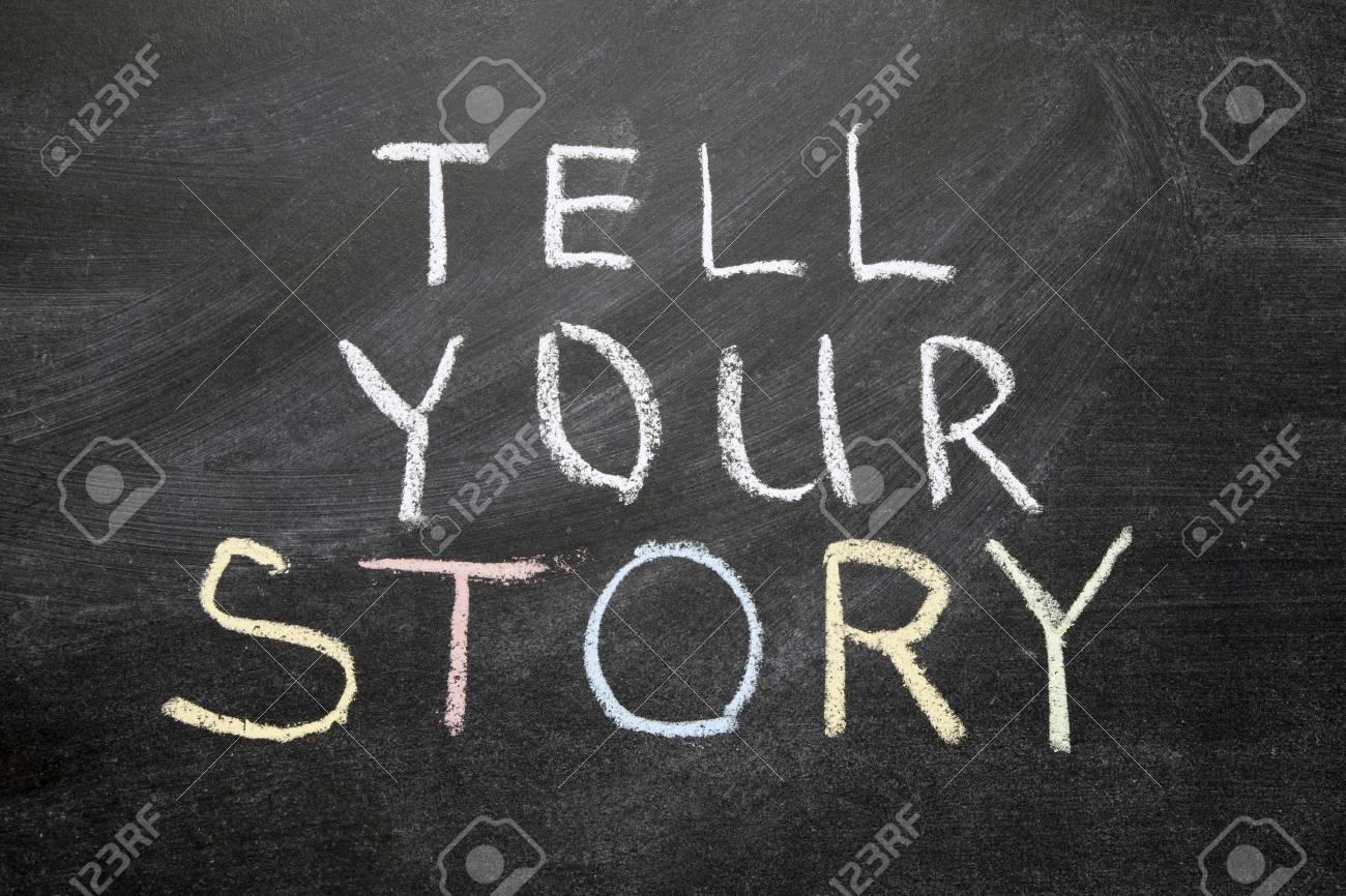 Ihre Geschichte Erzählen Ausdruck Handschriftlich Auf Der Schultafel ...