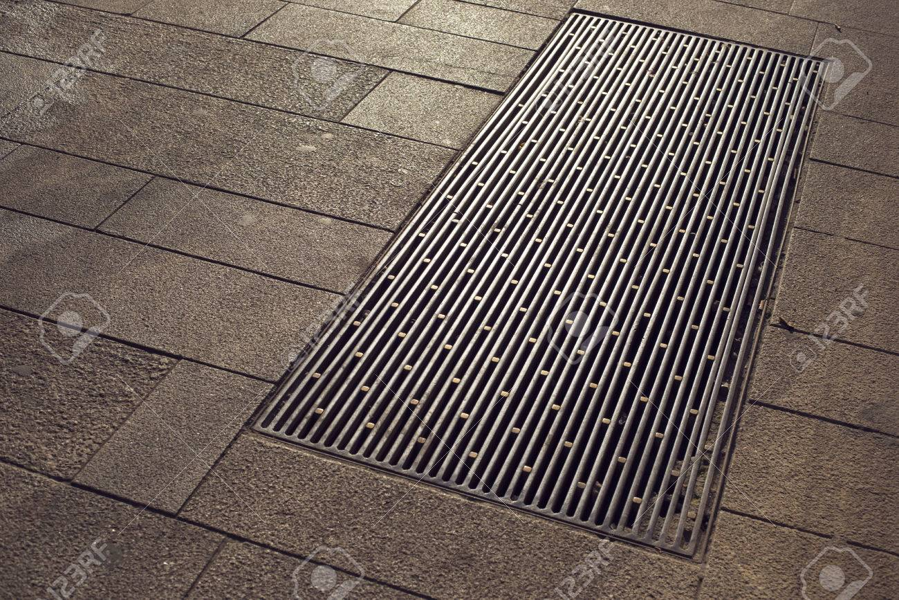 Immagini stock piastrelle frammento di città marciapiede con