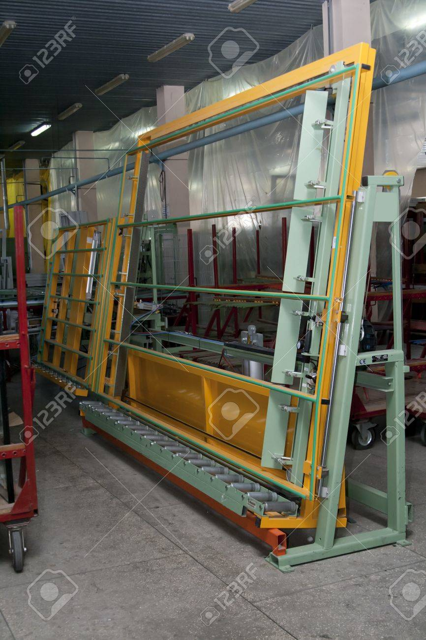 Ventanas Pvc Stock.Stand For Glazing From The Production Line Of Pvc Windows