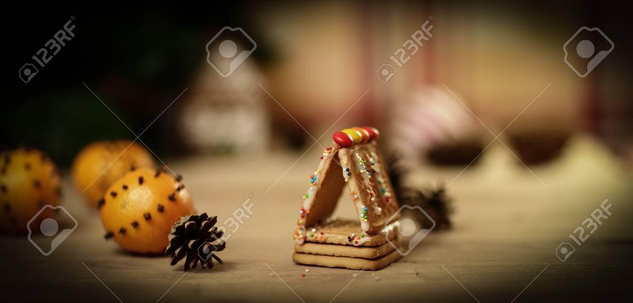 Weihnachtsküche. Hintergrundbild Kekse Und Orangen Lizenzfreie Fotos ...