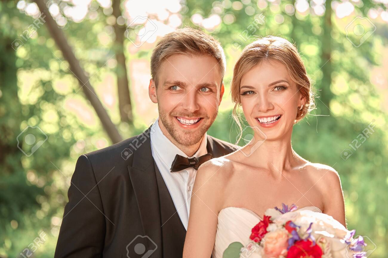 close up. beautiful portrait of the newlyweds - 130789205