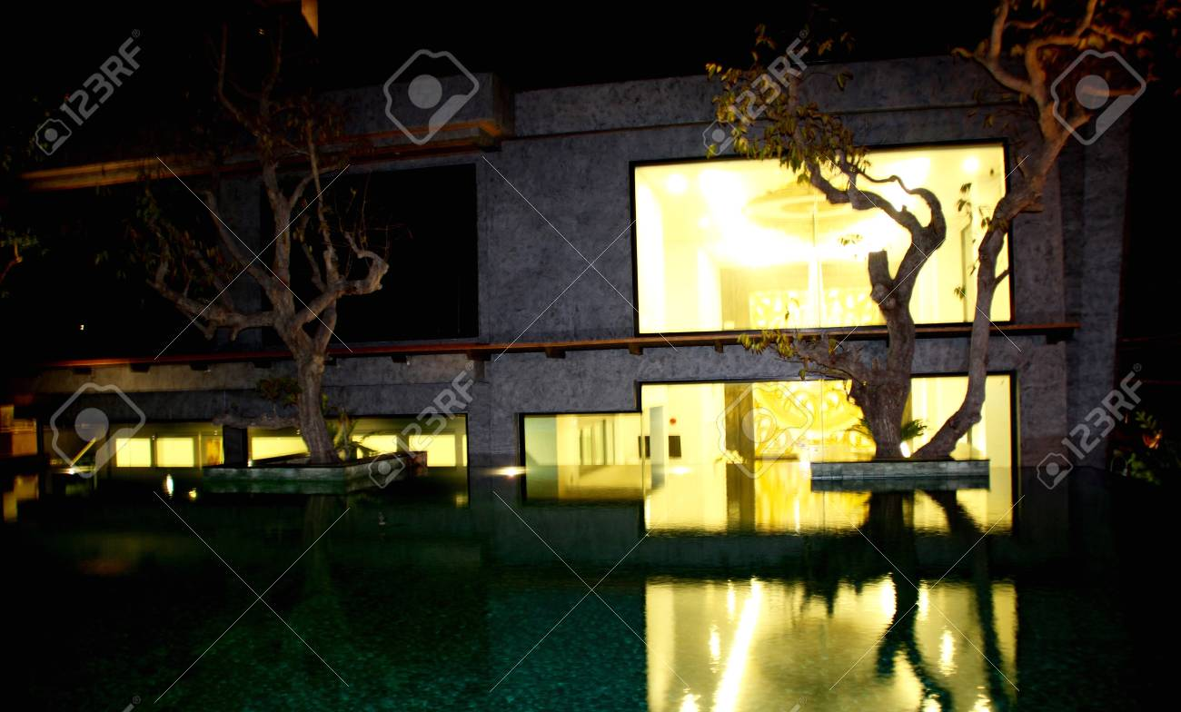 Modern style home decoration By building a private pool on the..