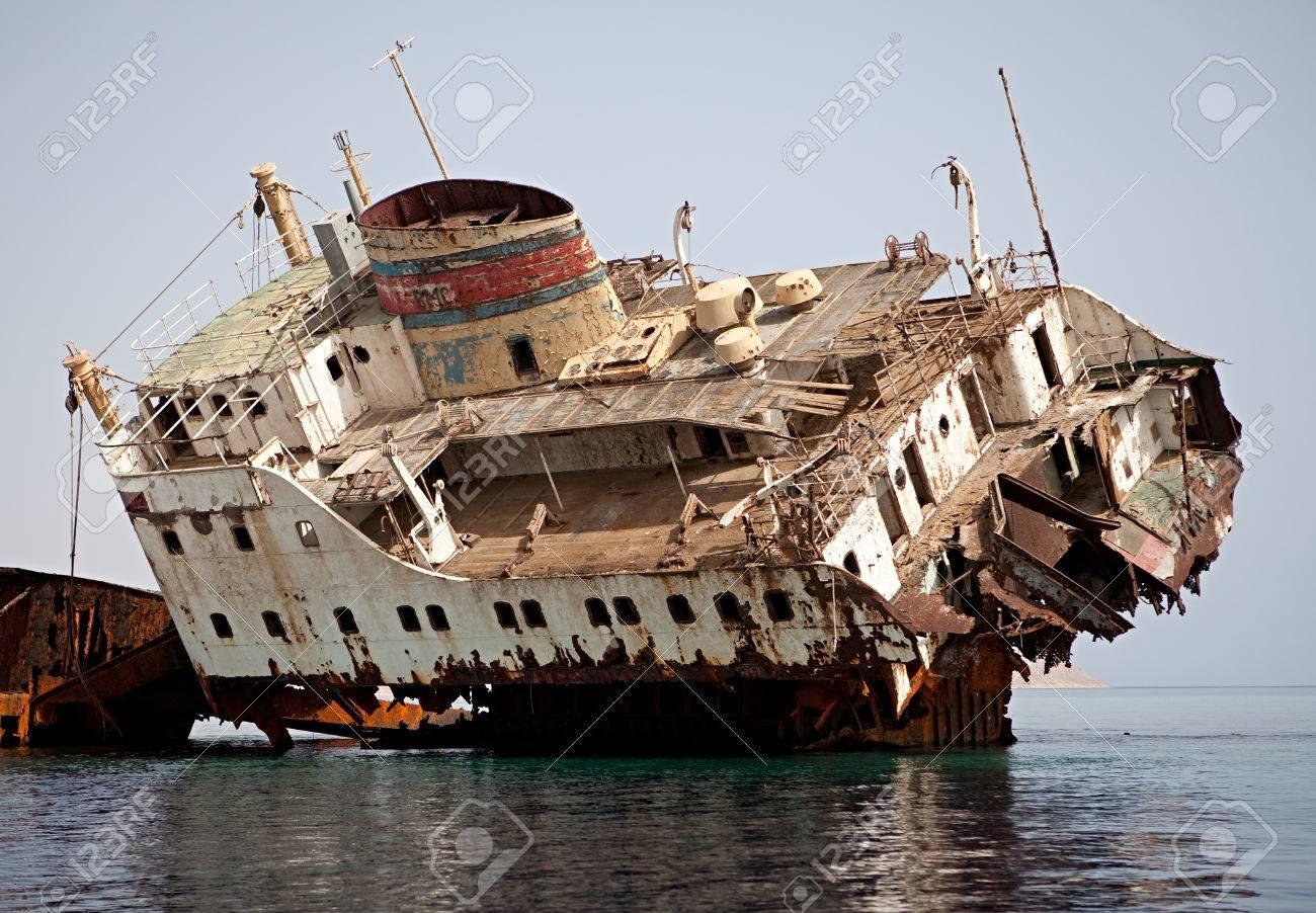 [Image: 34988751-Sunken-Russian-ship-Near-the-is...-Photo.jpg]