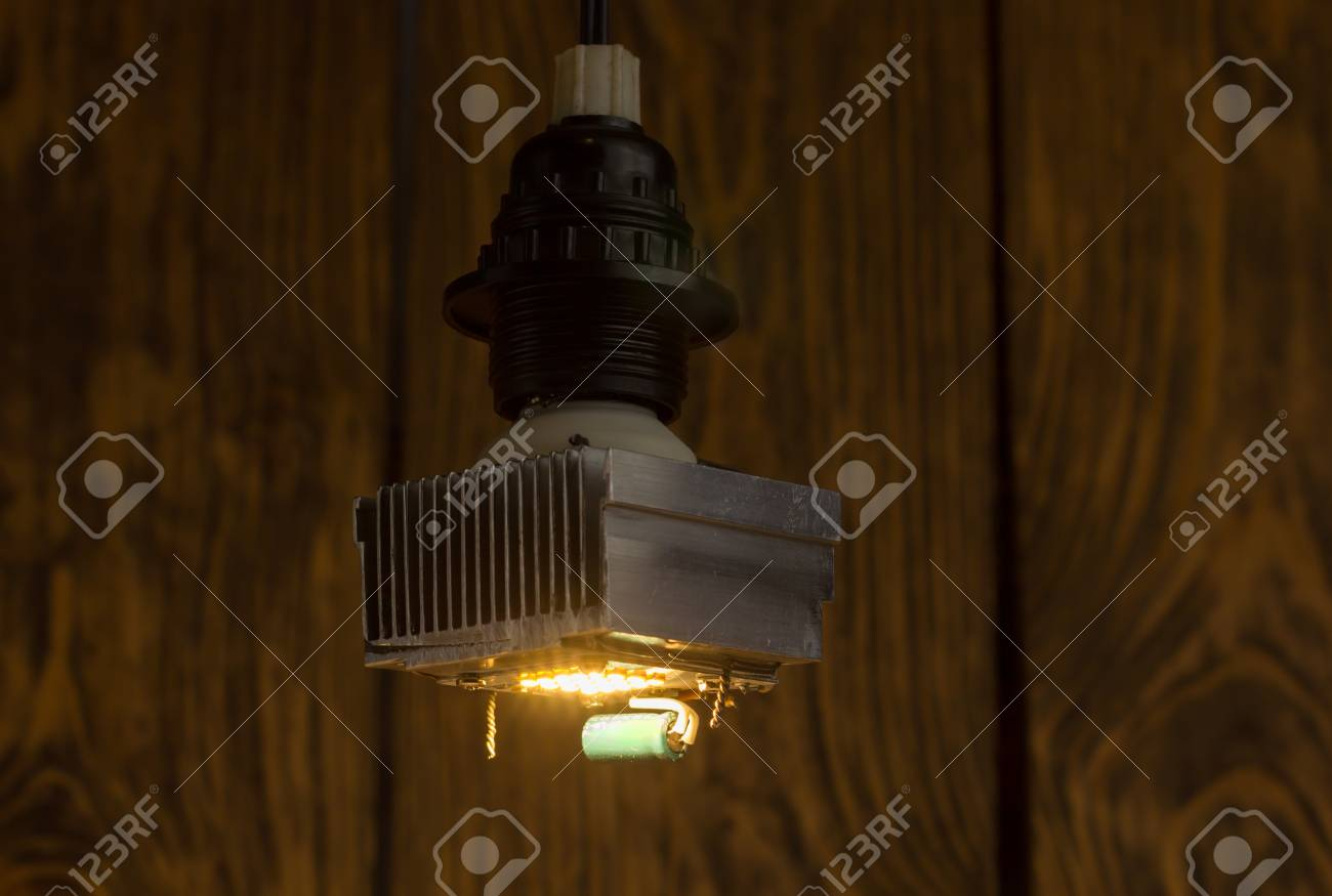 Lampe Puissance Led Énorme ElleAssemblage Laid SalissantHaute Utilisé Un Sans Sur Rapide Dissipateur Conduit Et Avec Diy À La Main Diffuseur lTK1uFJc3