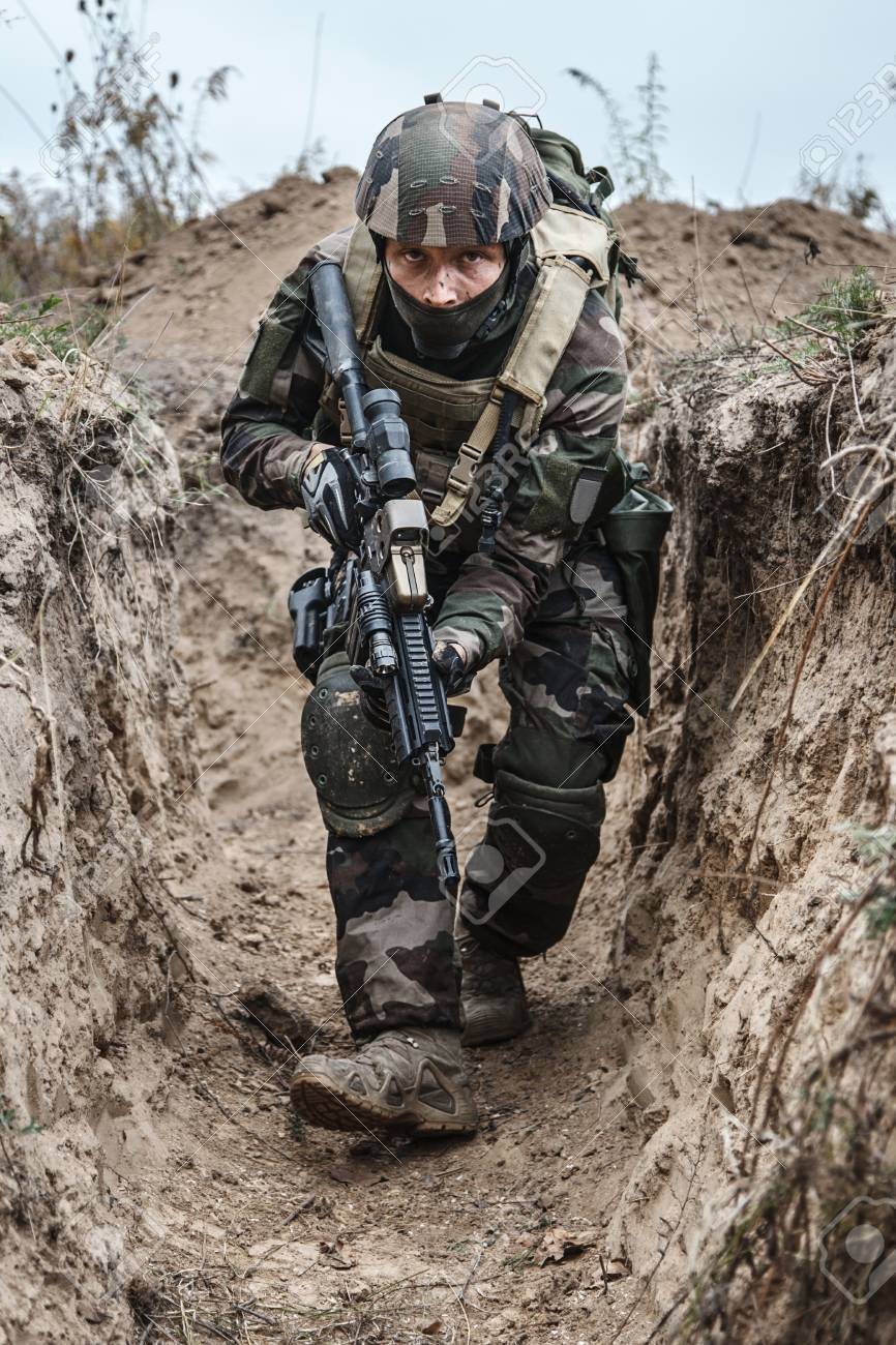 Paratrooper of french 1st Marine Infantry Parachute Regiment