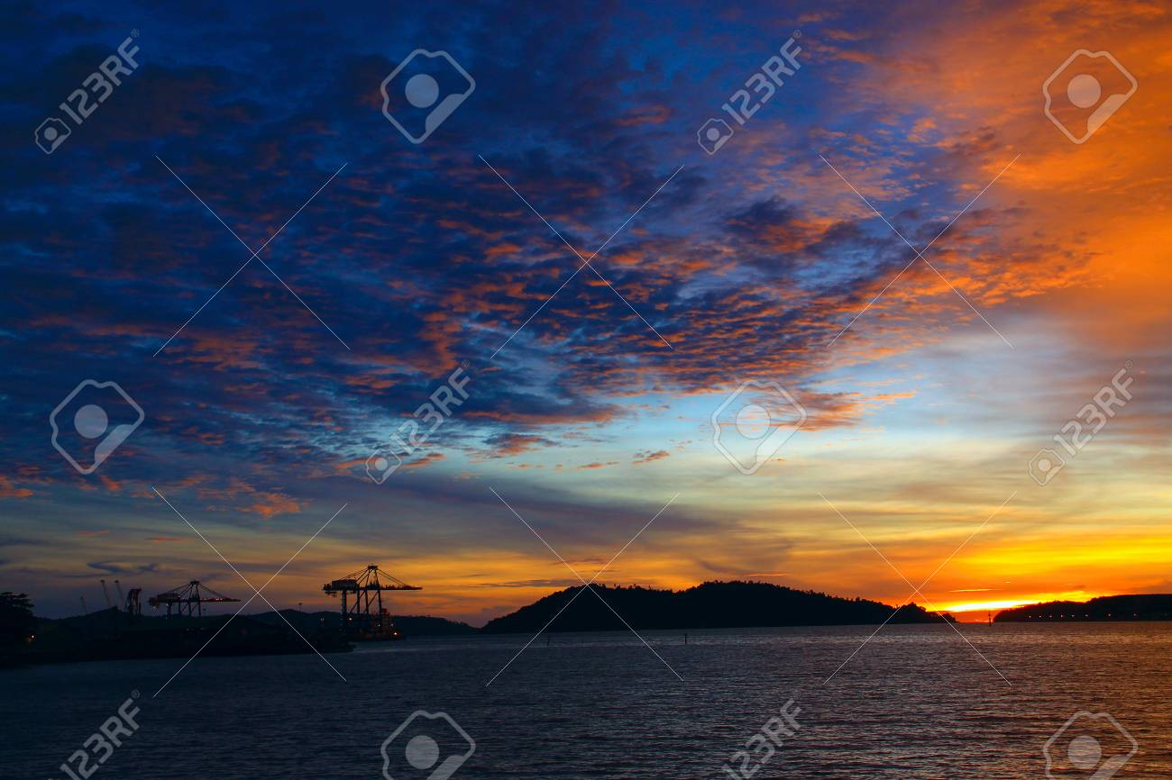 Beutiful sunset at Sepanggar Port, Sepanggar, Kota Kinabalu, Sabah Stock Photo - 11053089