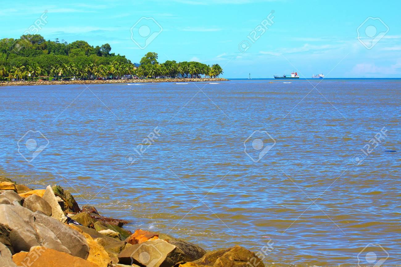 Schöne Landschaft Während Der Zeit Am Morgen Likas Beach Kota