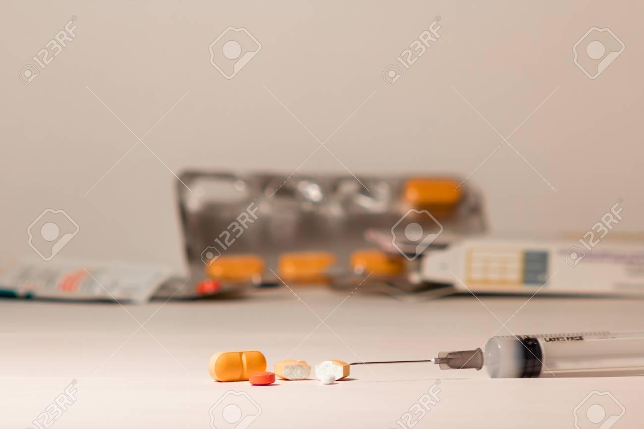 diversi tipi di farmaci