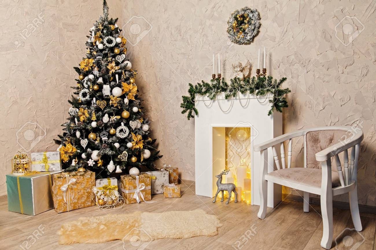 Christmas Decoration Indoors.Gray And Gold Lovely Christmas Decorations Horizontal Indoors