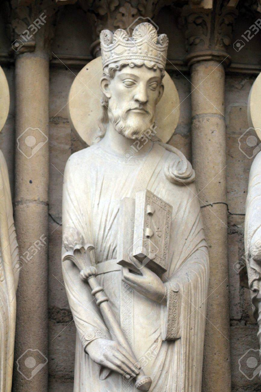 King Solomon, Notre Dame Cathedral, Paris, Portal of St  Anne Stock Photo - 21111790