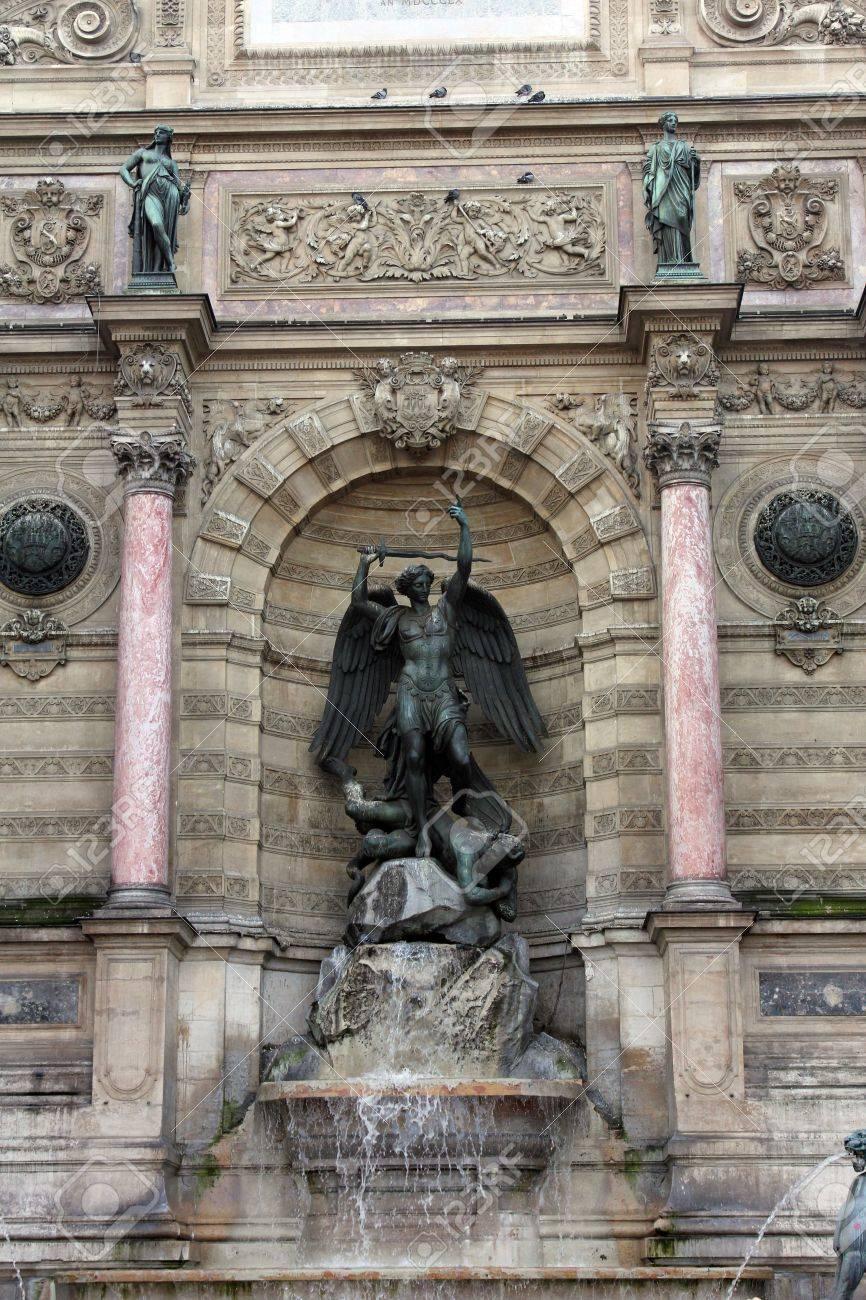 噴水聖者 Michel 会やフランシス デュレによって Gabriel Davioud 天使 ...
