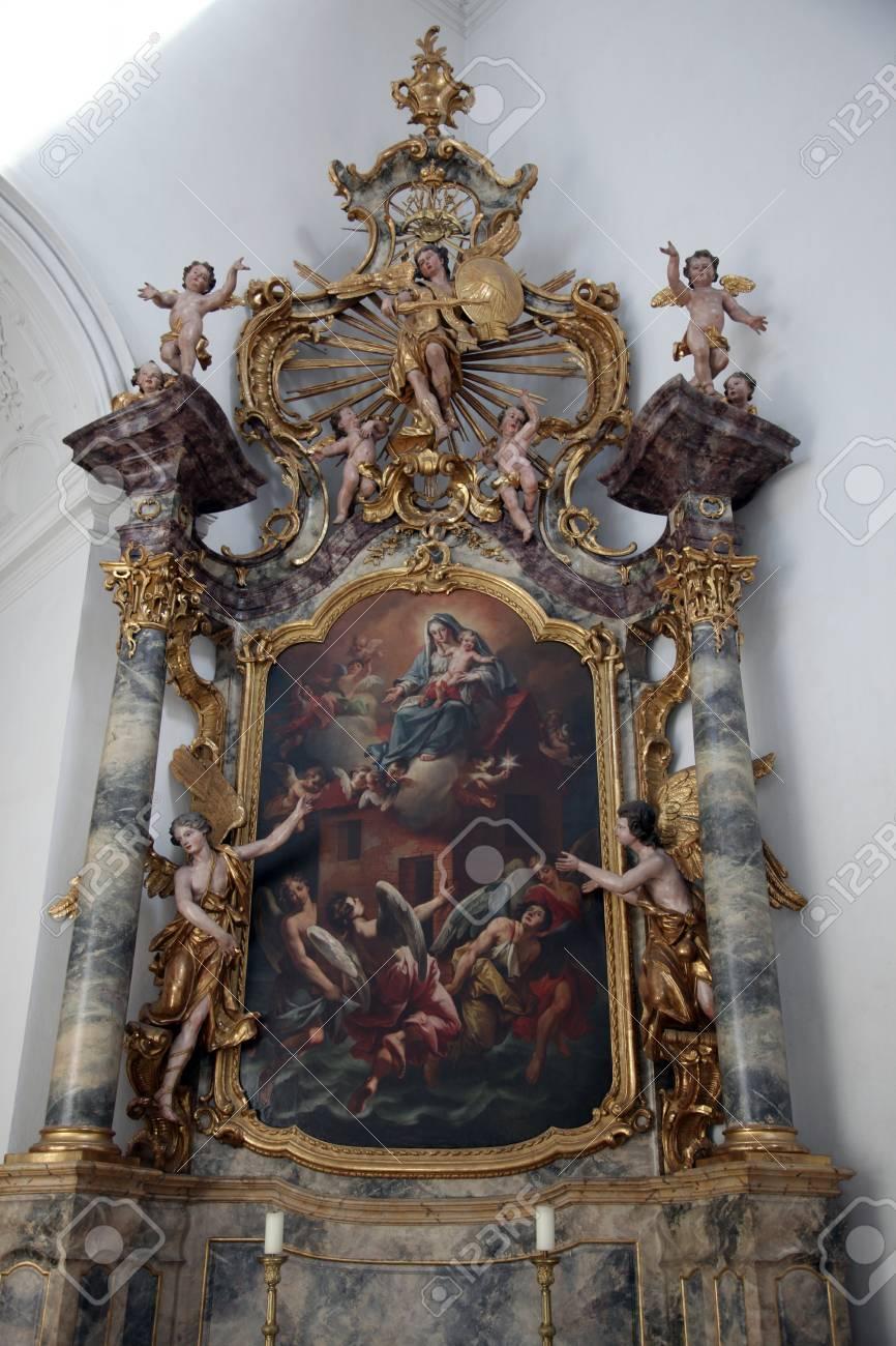 Madonna With Child Jesus Altar In The Neumunster Collegiate Stock