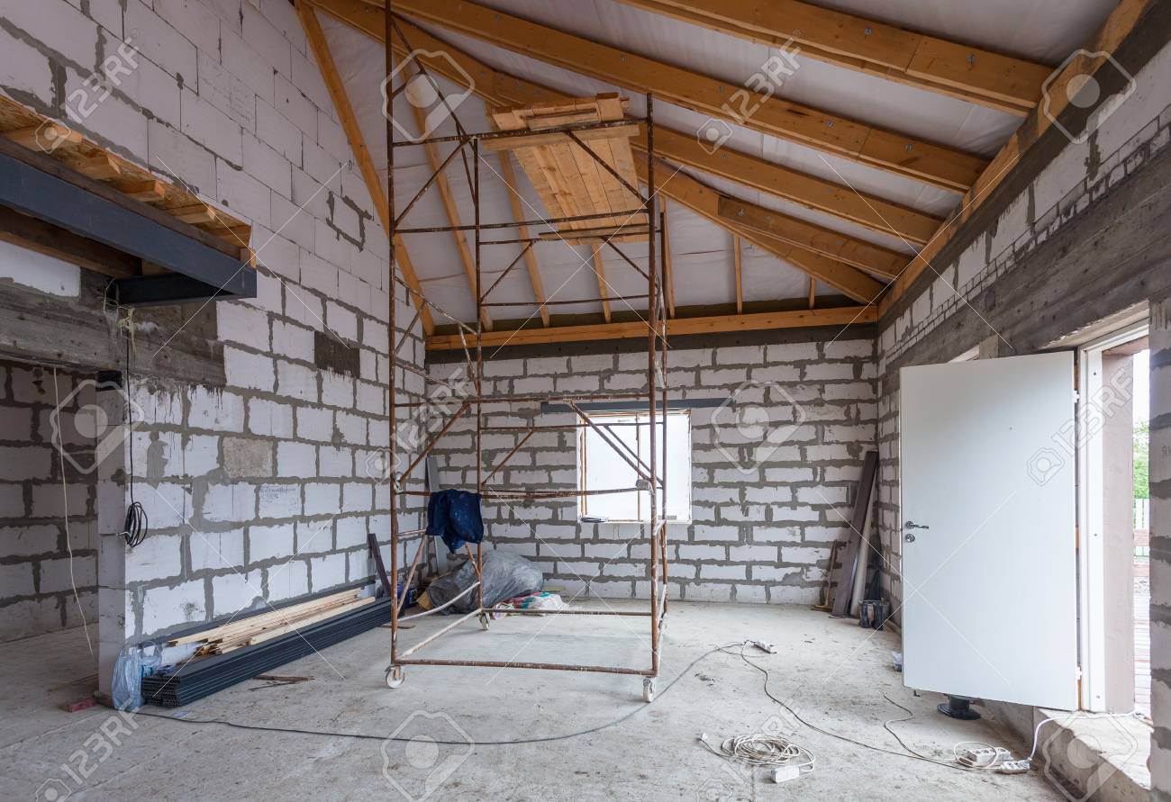 The apartment is under construction and renovation - 62059450
