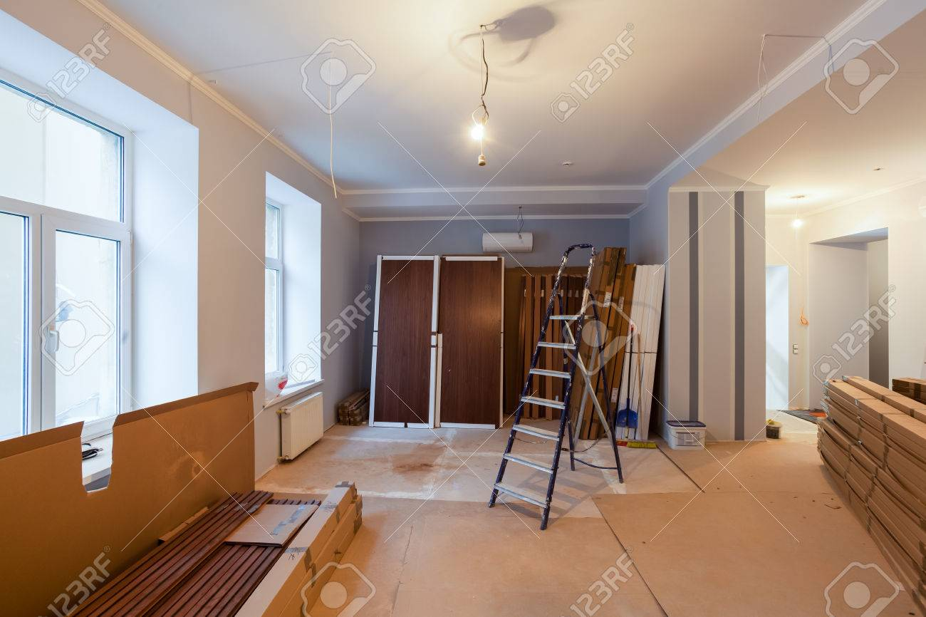 Interior of apartment during on the renovation and construction - 71832676
