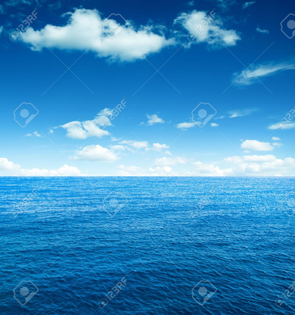 perfect sky and ocean - 37912946