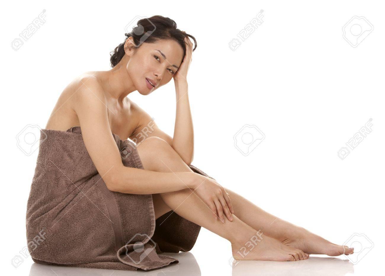 beautiful asian brunette nude on white isolated background Stock Photo - 17573578