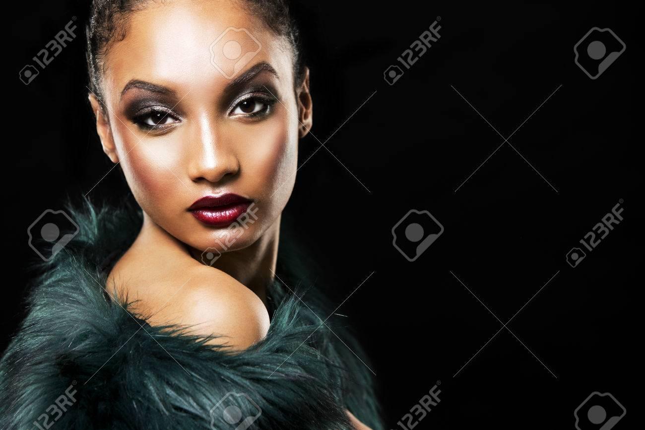 Abrigo India Verde Rojo Exclusiva Labial Y De Con Mujer Lápiz Piel n6SFxwqqWf
