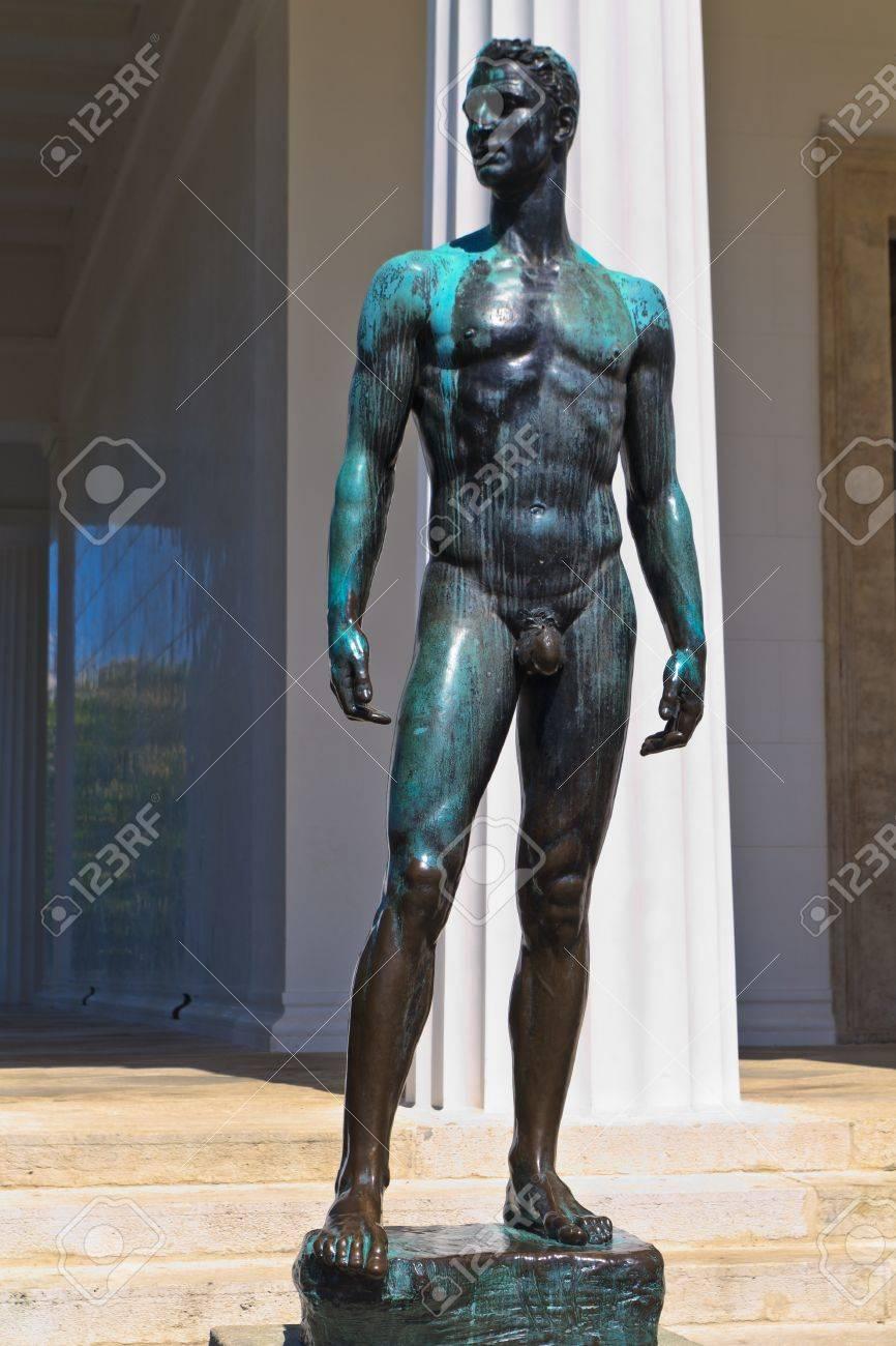 Vienna - Statue in front of Temple of Theseus, Austria Stock Photo - 14261985
