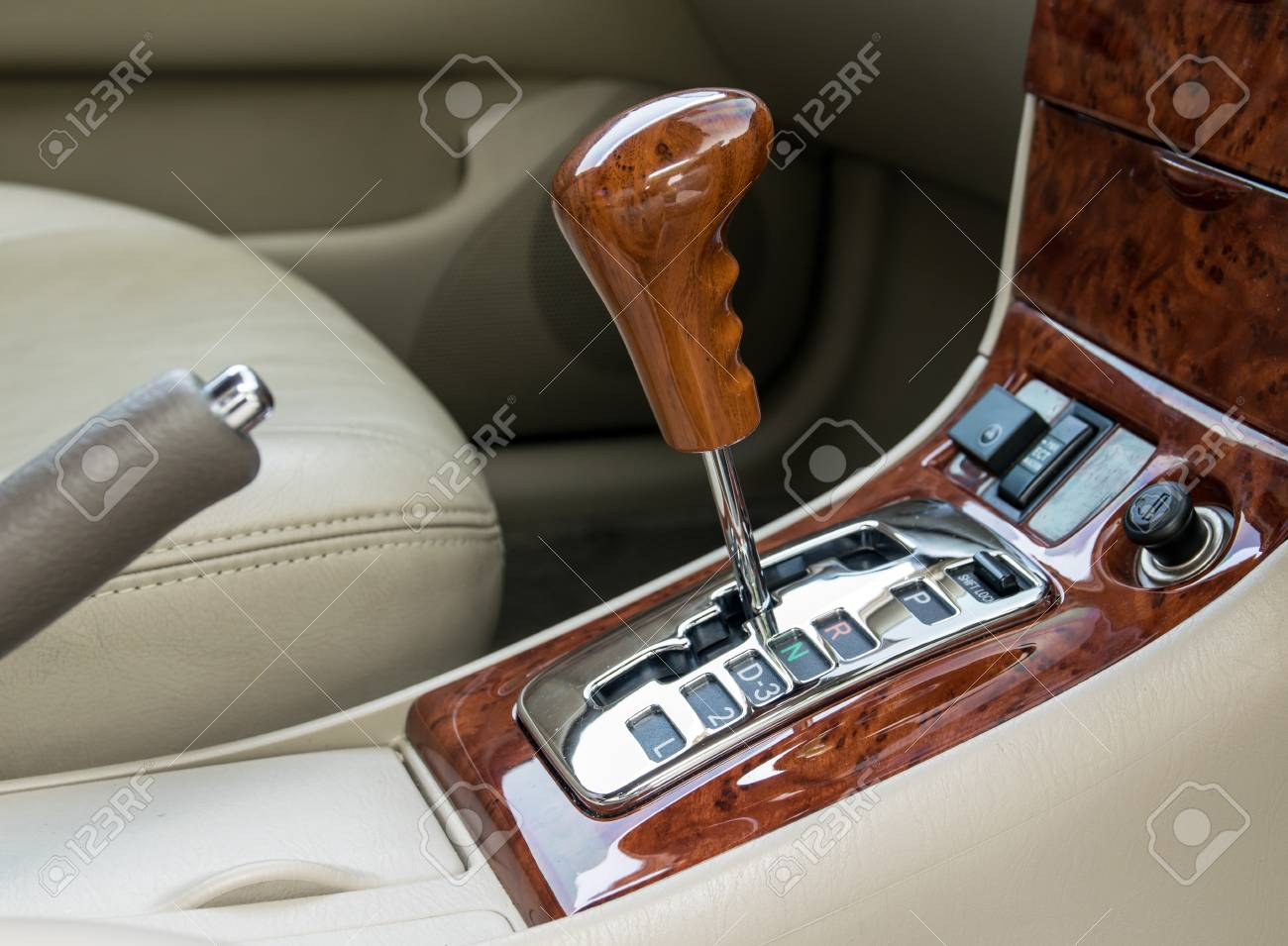 Car Interior Decorate Wood Automatic Transmission Gear Shift