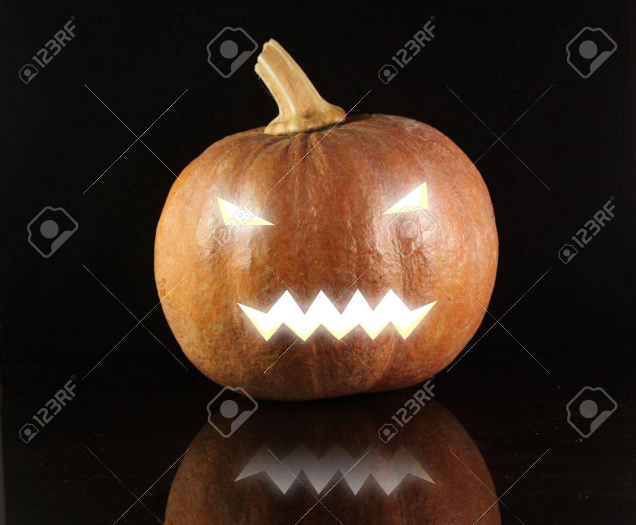 Glowing Halloween Pumpkin Stock Photo - 5778171