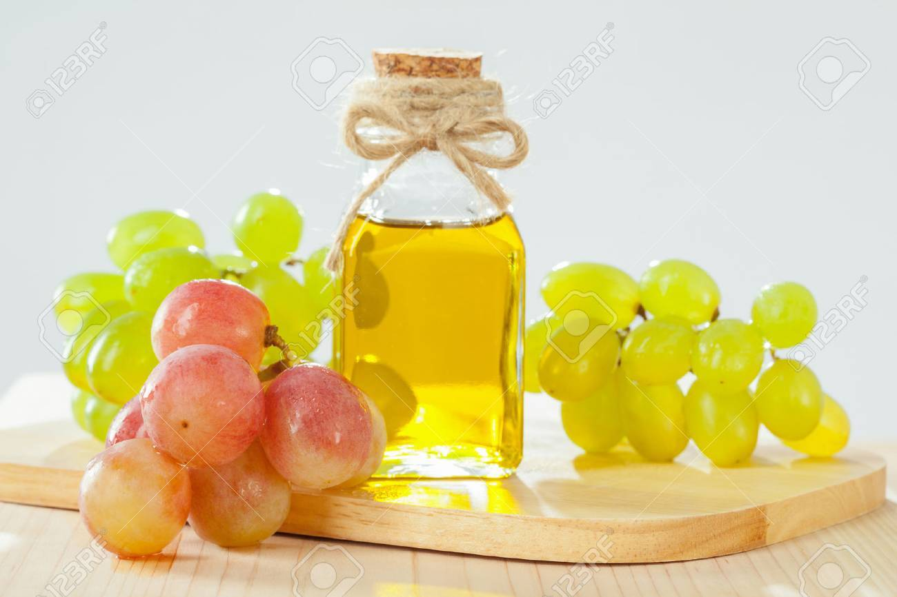 Natural grapeseed oil for massage, skincare and haicare - 53393093
