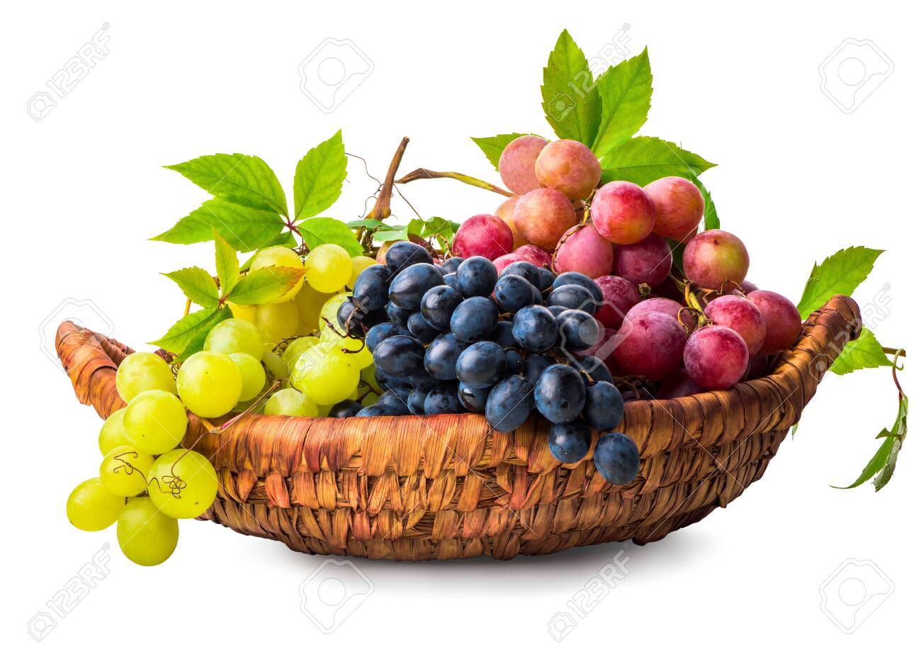 Grape in wicker basket - 132126448