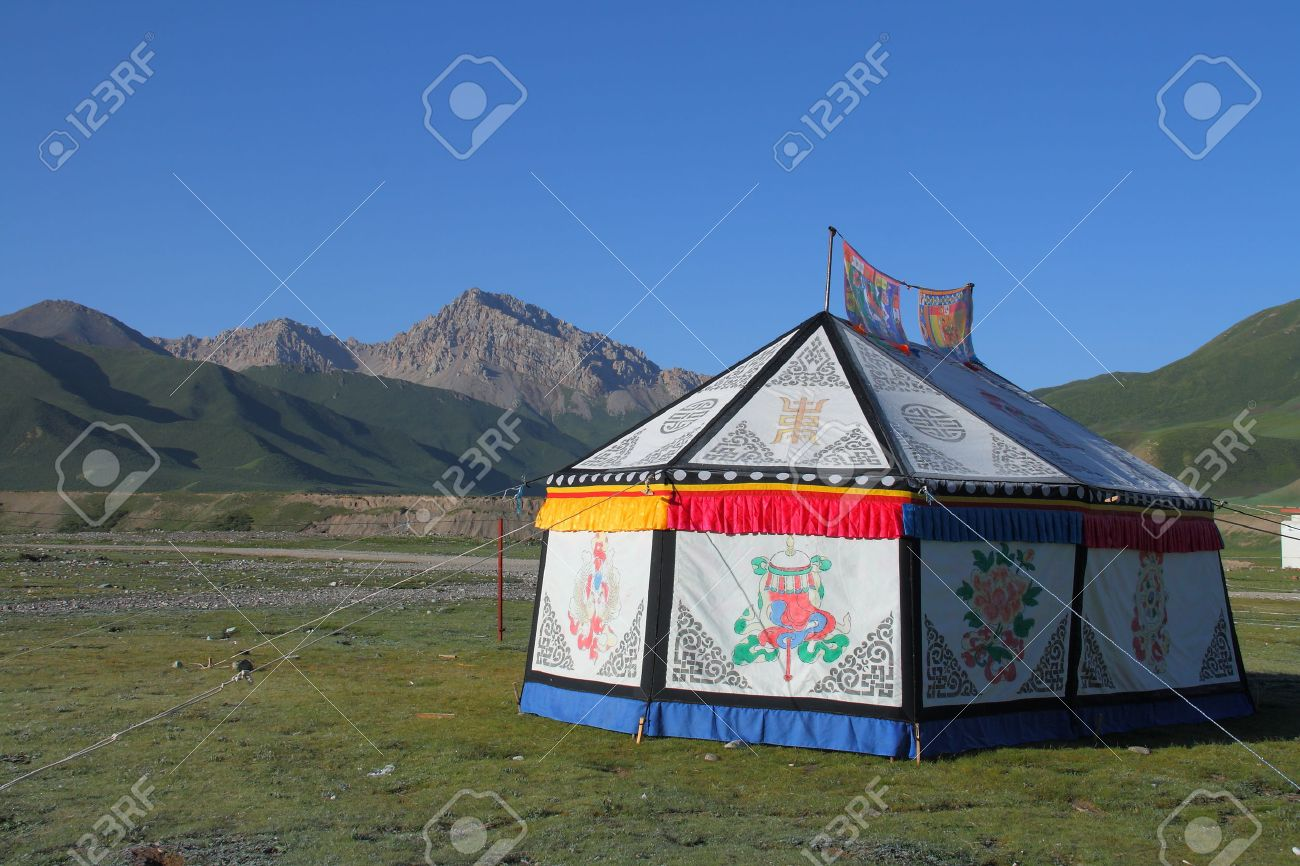 Mountain and Tibetan tent on Tibetan Plateau Qinghai China Stock Photo - 34361898 & Mountain And Tibetan Tent On Tibetan Plateau Qinghai China Stock ...