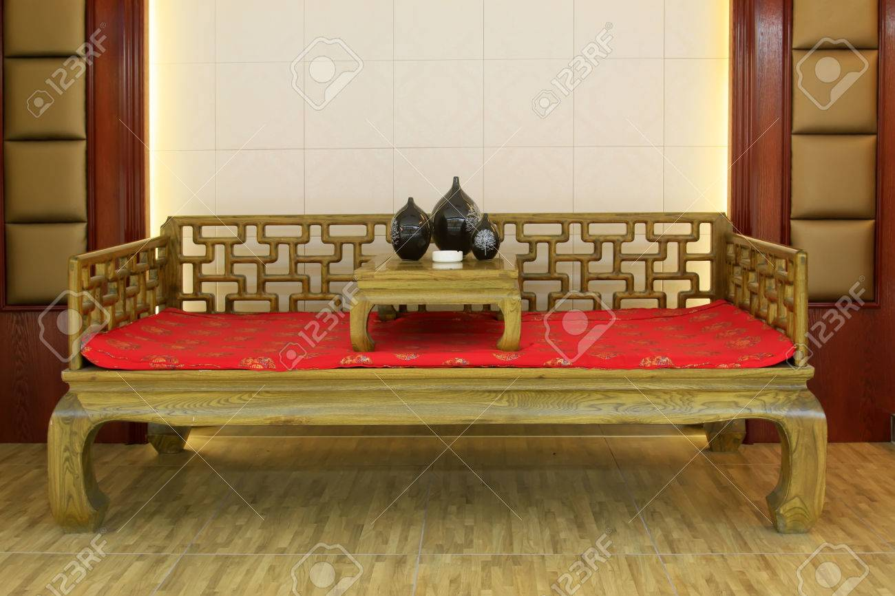 Chinese Traditional Style Wooden Bed And Tea Table Decoration