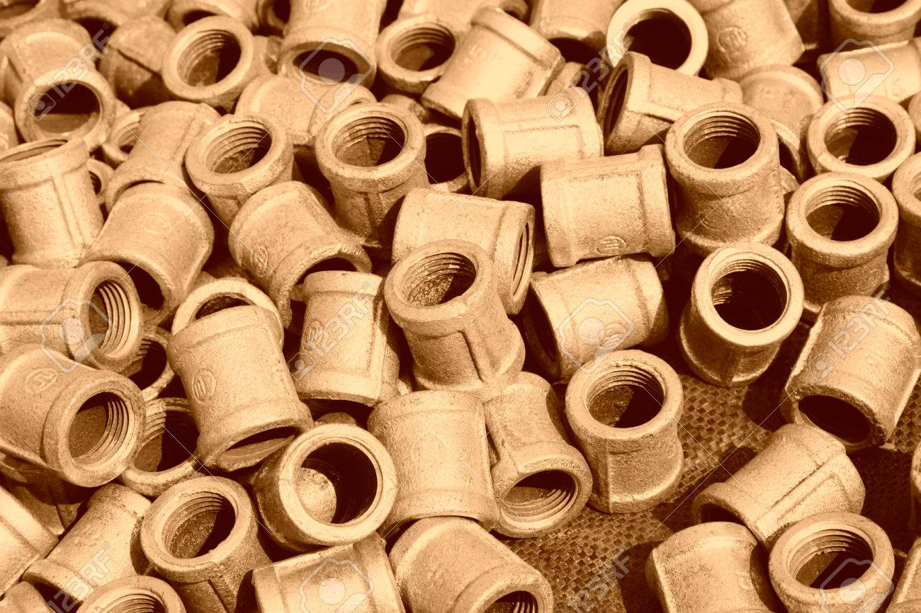 Metal plumbing pipe fittings piled up together Stock Photo - 35753294 & Metal Plumbing Pipe Fittings Piled Up Together Stock Photo Picture ...