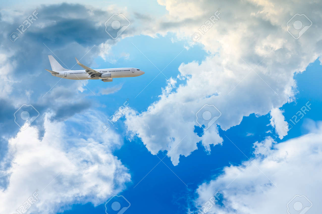 High-altitude airplane and beautiful sky in spring - 140419740
