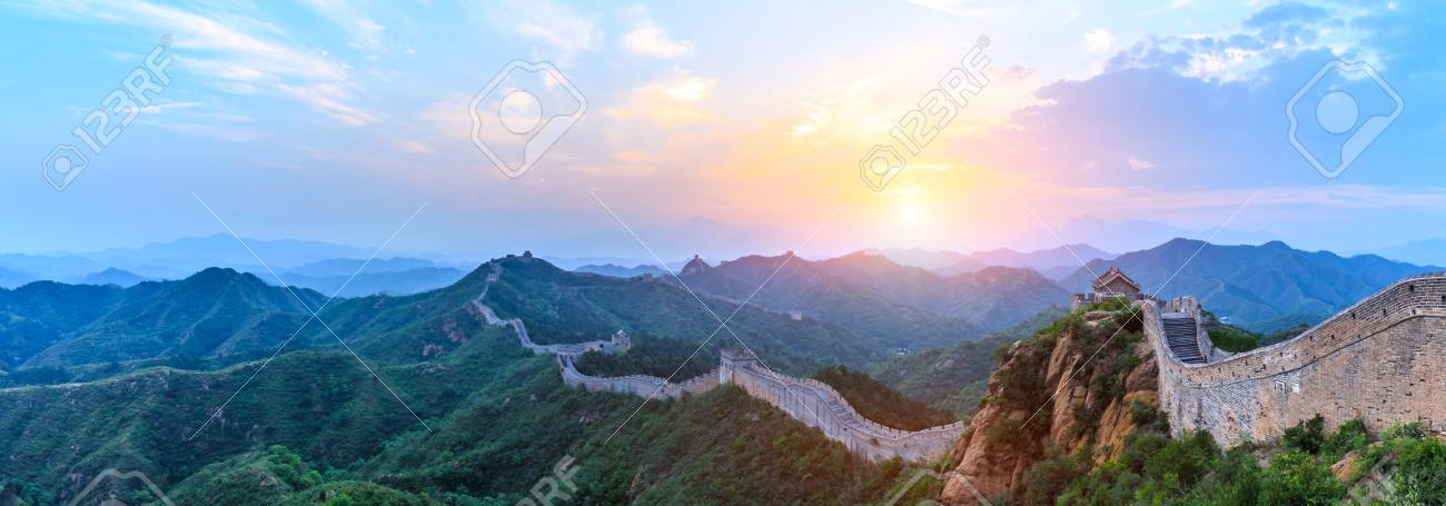 The Great Wall of China at sunrise,panoramic view - 105923891