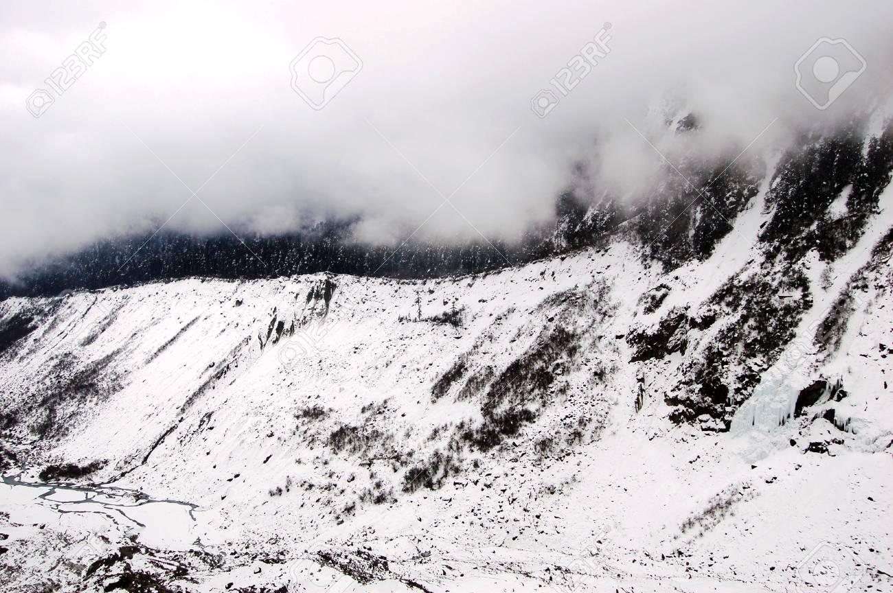 HaiLuoGou glacier Stock Photo - 17598778