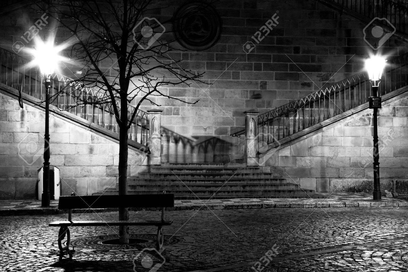 Charles bridge from the side of Mala Strana, Prague Stock Photo - 5980086