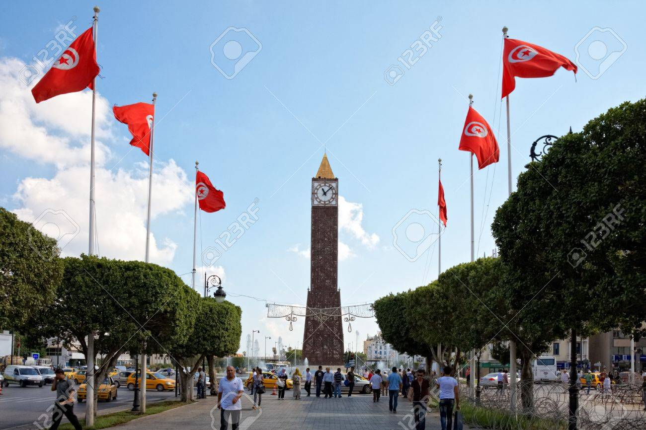 TUNIS, TUNISIA - OCTOBER 5: Barbed wire entanglement on Avenue Habib Bourguiba close to Monumental Clock on October 5 in Tunis. Higher security measures before first election after Jasmine revolution. Stock Photo - 10912388