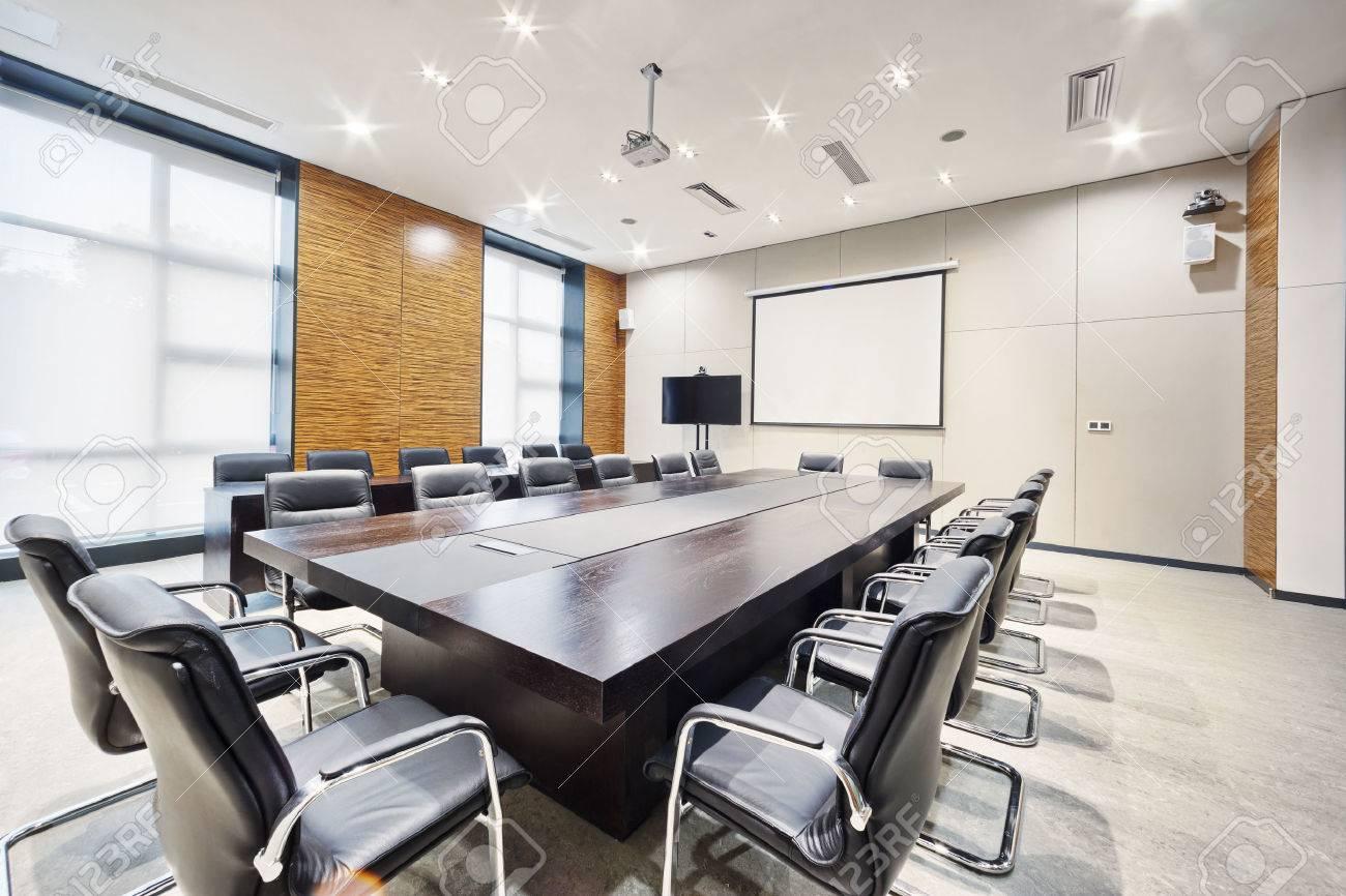 Moderna Sala De Reunión De La Oficina De Interiores Y Decoración ...