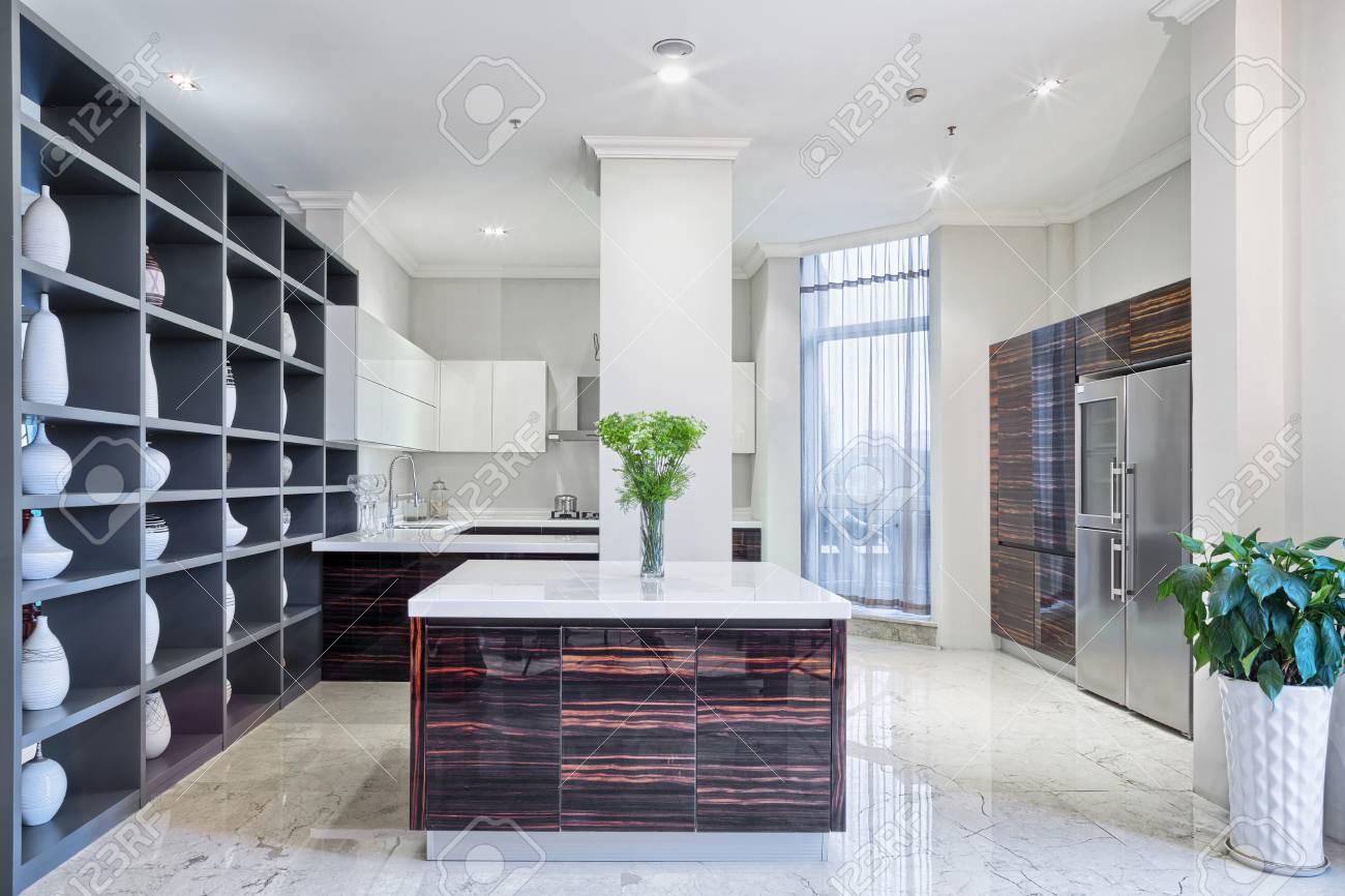 Intérieur et meubles de cuisine modernes
