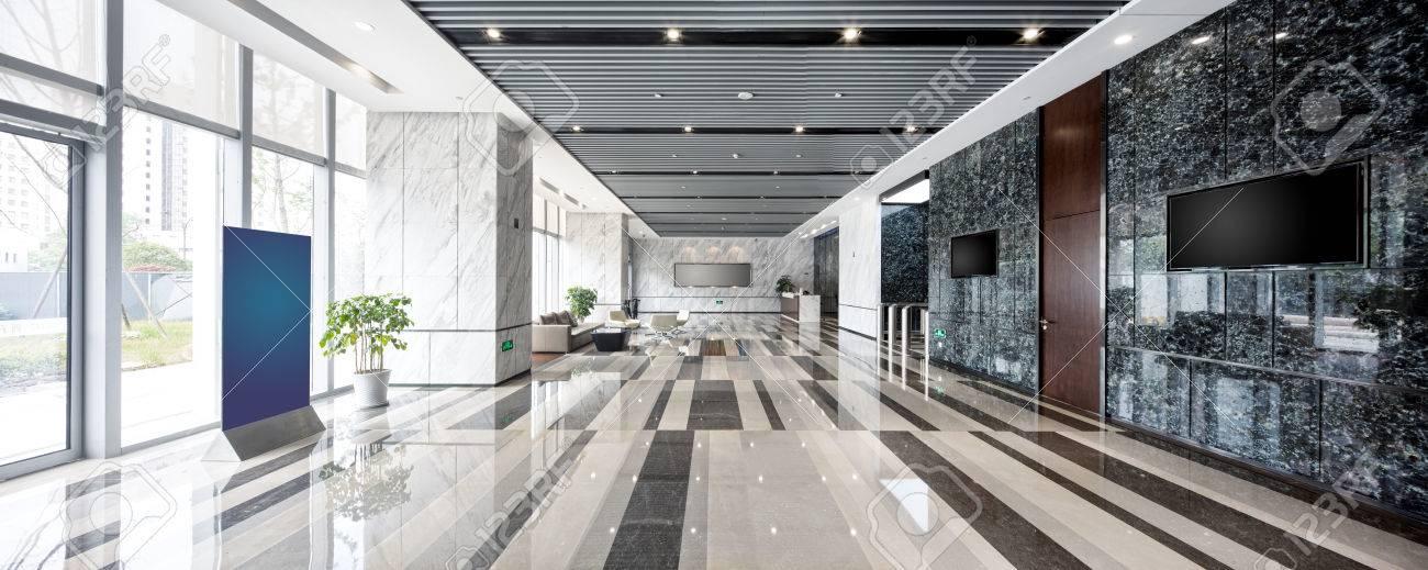Intérieur Du Hall D\'entrée Moderne Dans Un Immeuble De Bureaux ...