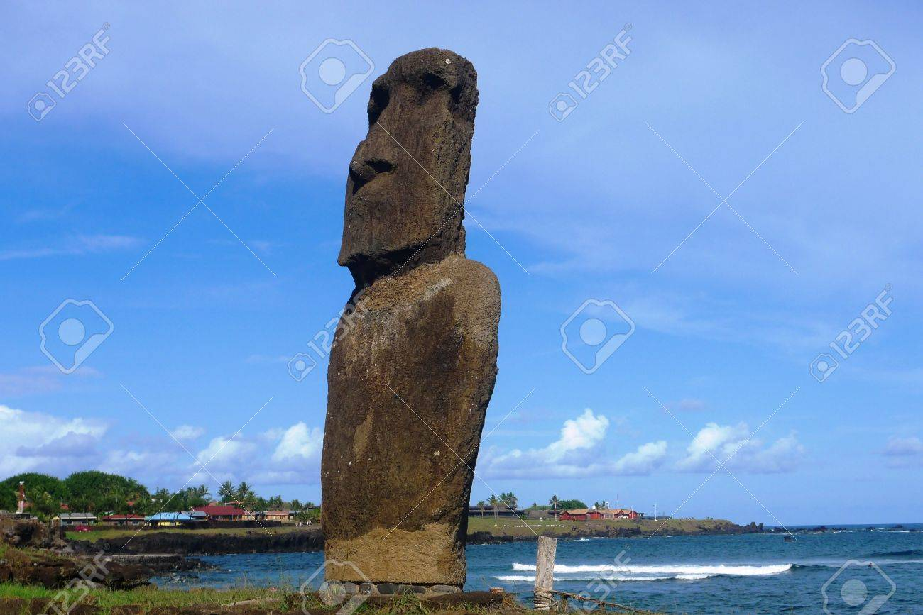 Moai statue at the beach, Easter Island, Chile Stock Photo - 15550028