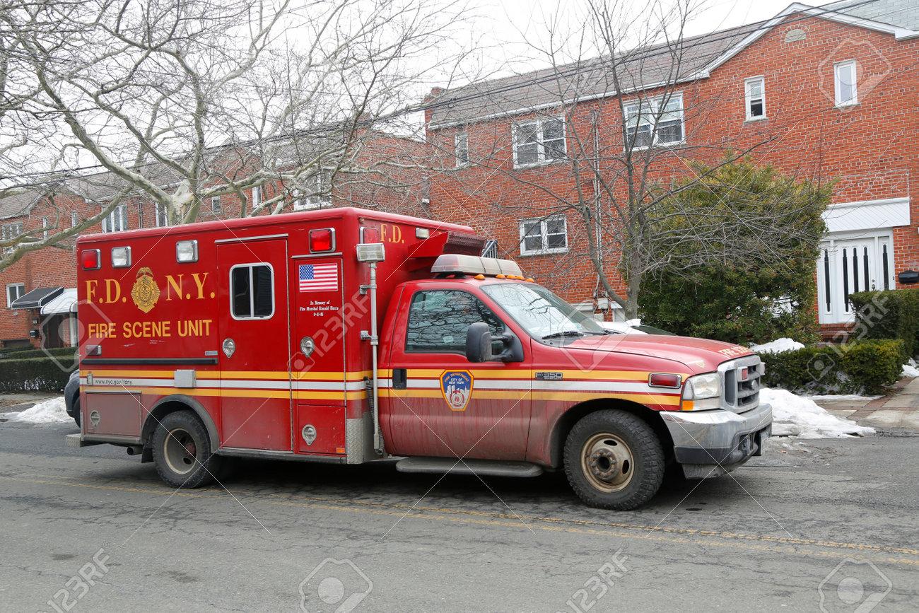 Brooklyn Ny March 10 2015 Fdny Fire Scene Unit In Brooklyn After