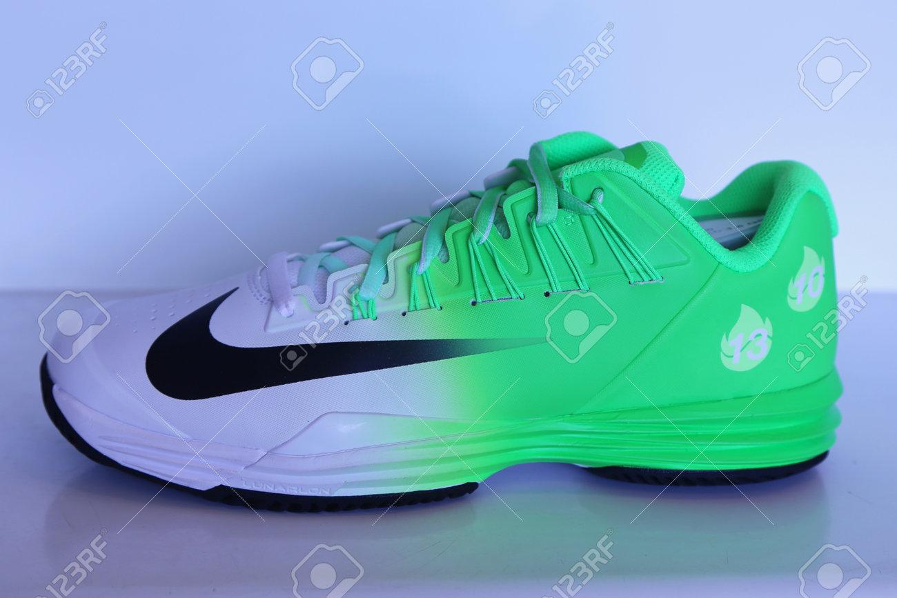 Egoísmo Christchurch De alguna manera  NUEVA YORK - 6 De Septiembre, 2015: Nike Presentó Nuevas Zapatillas De  Tenis NikeCourt Lunar Ballistec 1,5 Leyenda Con El Logotipo De Rafael Nadal  Durante El Abierto De Estados Unidos De 2015