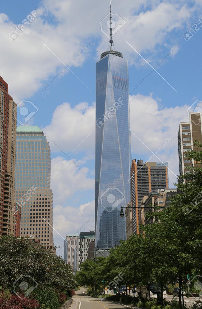 NEW YORK - AUGUST 8 cbe8ef3a5