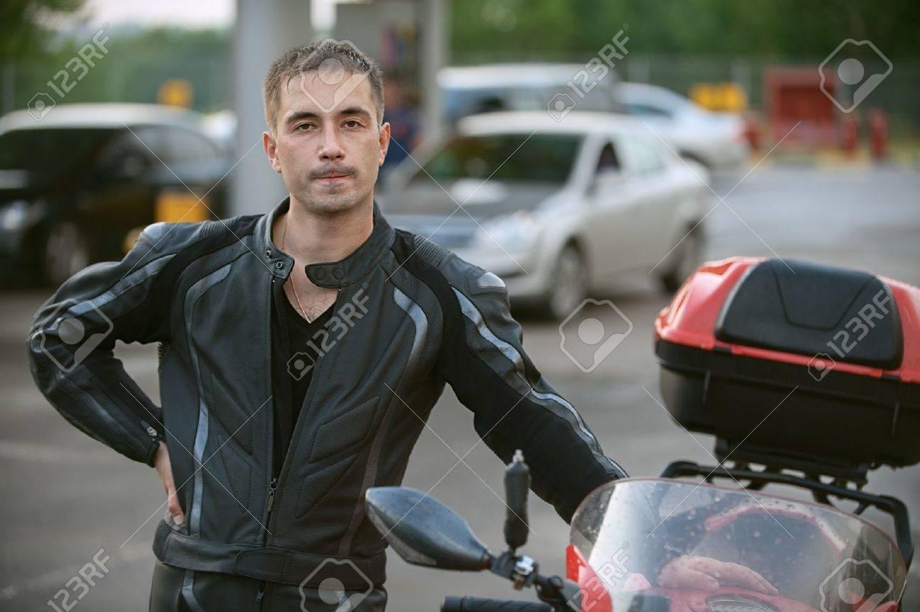 Фото возле мотоцикла 8 фотография