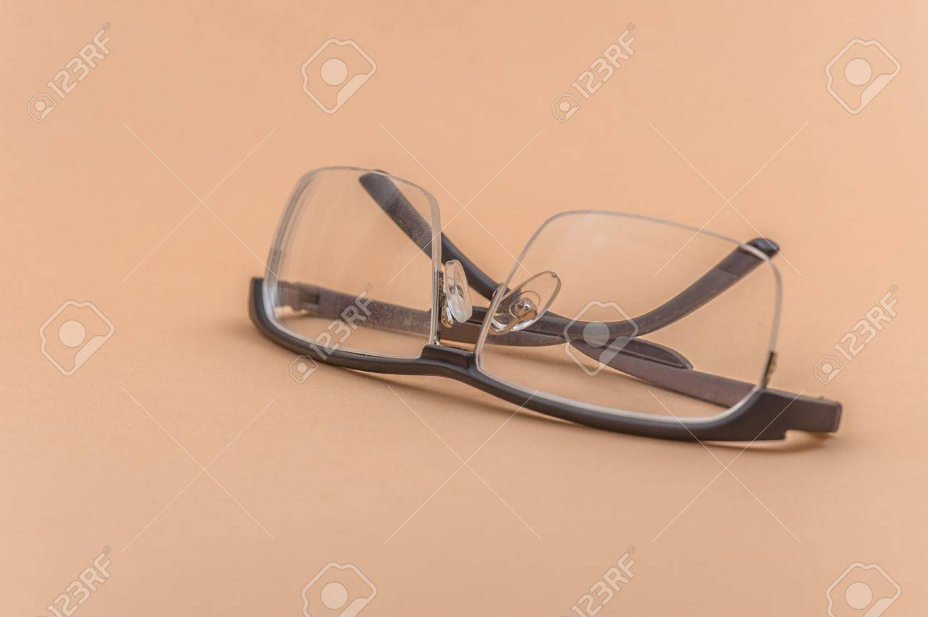 Gafas, También Conocidos Como Anteojos O Gafas, Son Marcos Que ...