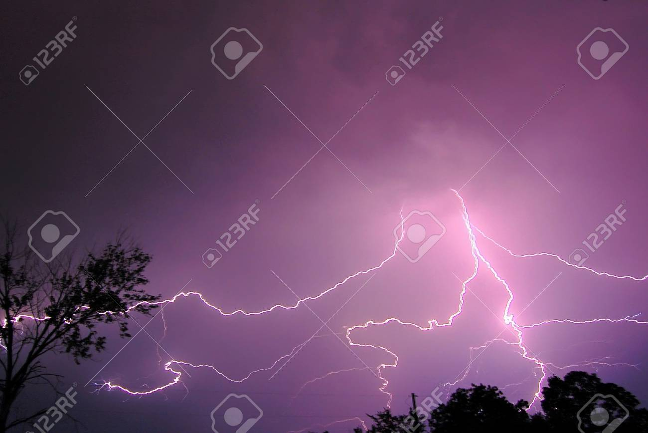 A brief storm that hit Missouri today to break up the heat wave for a few hours Stock Photo - 14300197