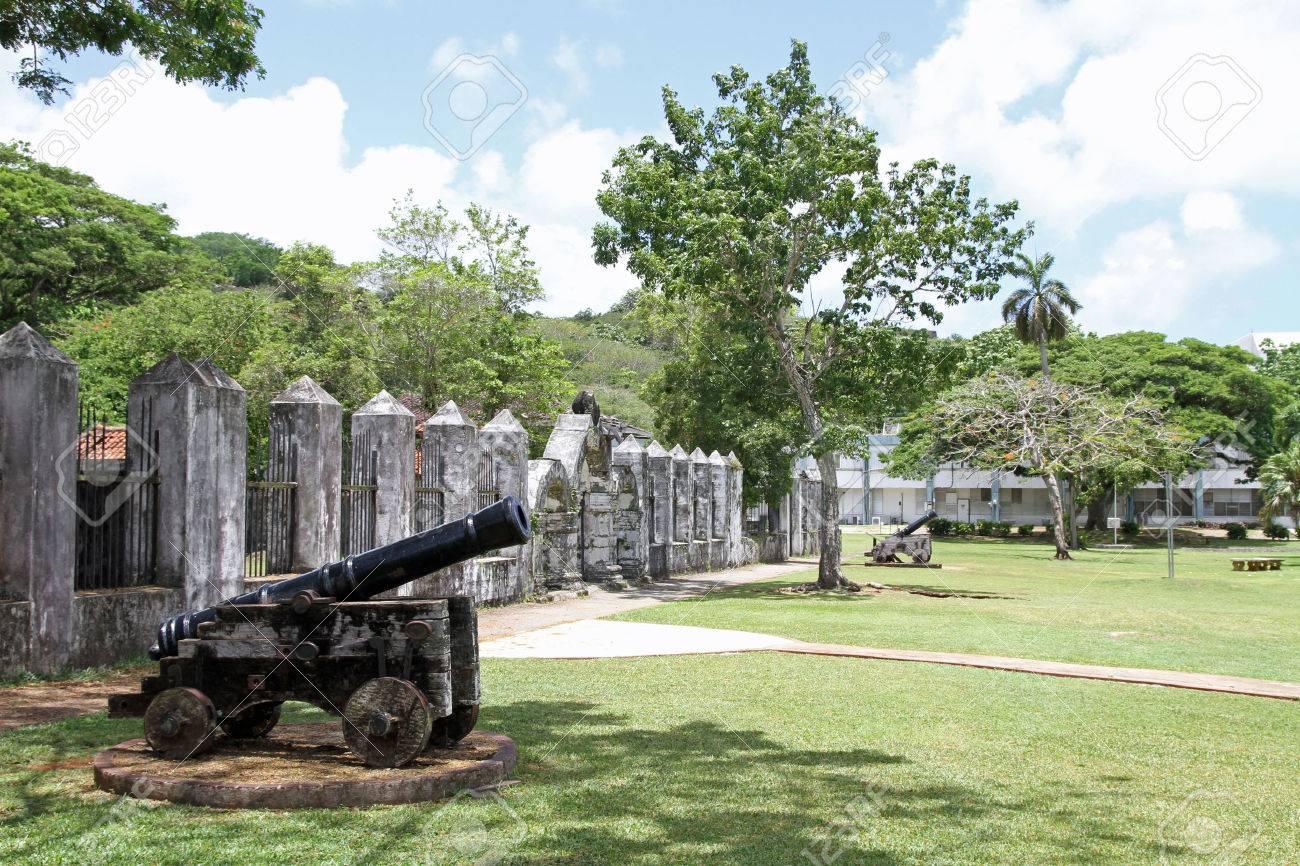 Plaza de Espana in Guam - 32720590
